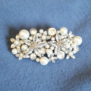 Jeweled and pearled barrette